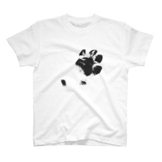 ハーフなお店の肉球 T-shirts