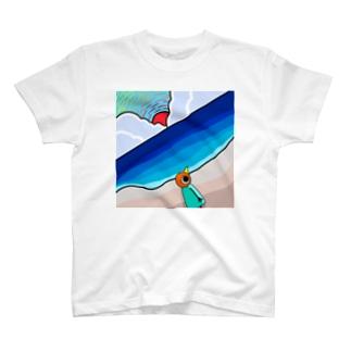 砂浜に来たトリさん T-shirts