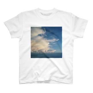 山で見た夏雲 T-shirts