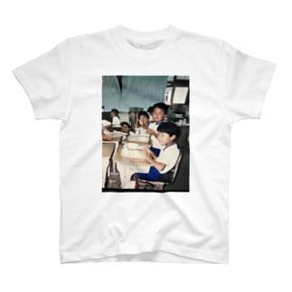 給食の時間 T-shirts
