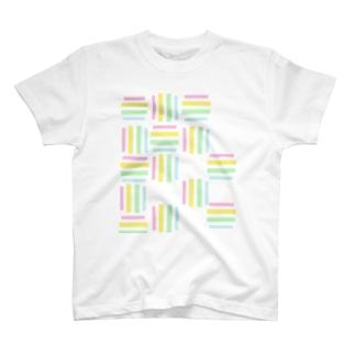 yuruholismの幾何学 図形 模様 ピンク イエロー 黄色 グリーン 緑 水色 ブルー 薄い T-shirts