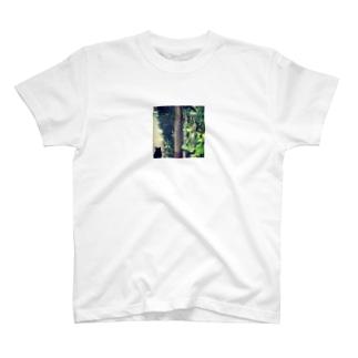 ねこのある風景 T-shirts
