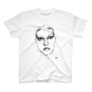 日本の美しい女性 T-shirts