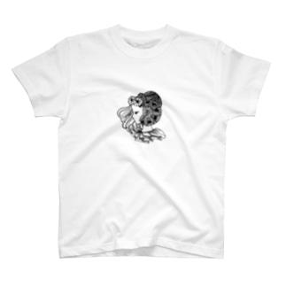 花と横向きの女の子 T-shirts