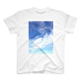 空と雲 T-shirts