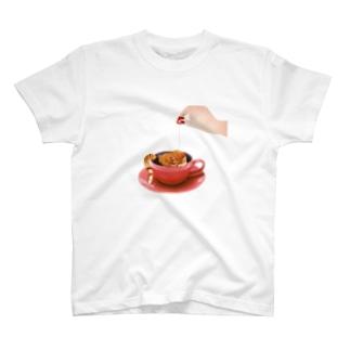 寝こ T-shirts