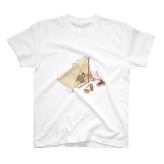 デイキャンプと犬 T-shirts