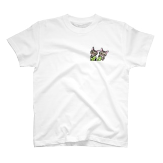 キジトラ猫ちゃん🍆ピーマン T-shirts