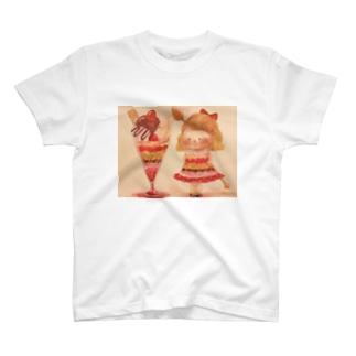 いちごパフェが食べたい日 T-shirts