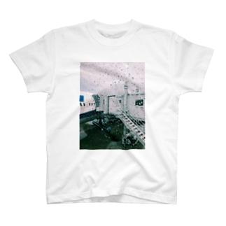 羽田 T-shirts