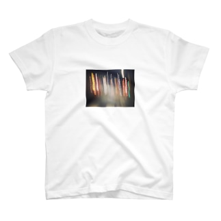 mooooのネオン街 T-shirts