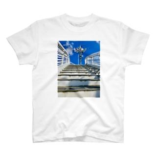 青空発射台 T-shirts