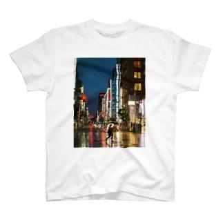 六月の東京の夜 T-shirts