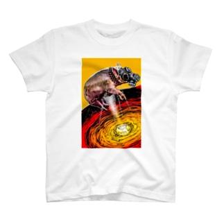 ガスマスク豚 T-shirts