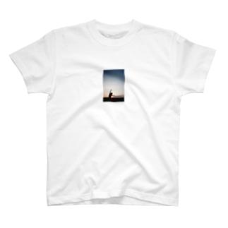 Yuinaのfilm camera T-shirts