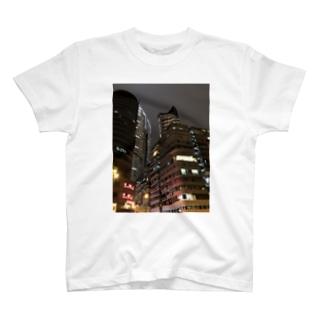 香港の摩天楼 T-shirts