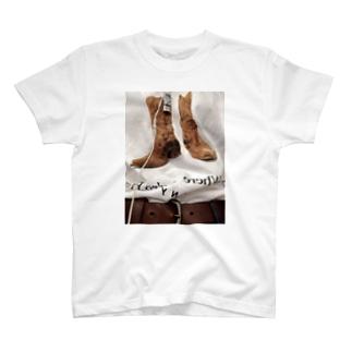 T SHIRT ON 2 T-shirts