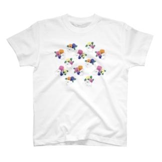 パンジーとたくさんの子犬たち T-shirts