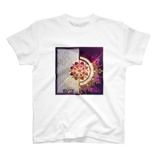 アラビアンパープル T-shirts