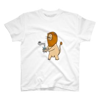 手洗いライオン(文字無) T-shirts