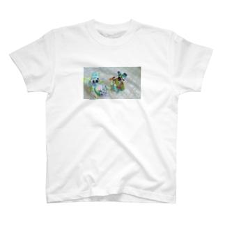 仲良しとして居るよ T-shirts