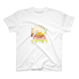 ハッピー☆ふわふわパンケーキ T-shirts
