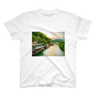 嵐山の夕暮れ T-shirts