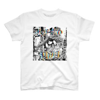 センター街の裂け目 T-shirts