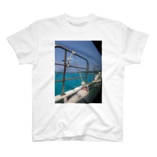 離島フェリーからみた海 鳩間ブルー T-shirts