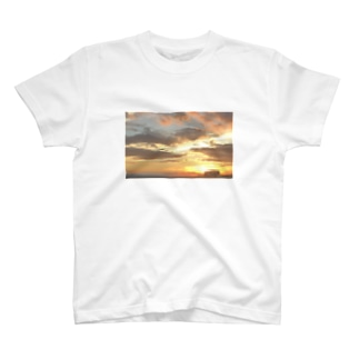 神々しい青山Tシャツ T-shirts