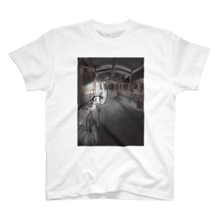 地獄 T-shirts