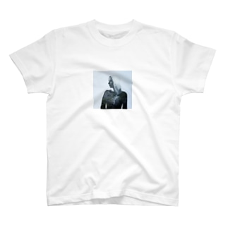 山と石膏 T-shirts