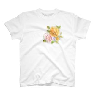 イエローローズブーケ T-shirts