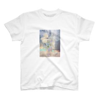 発光する花たち T-shirts
