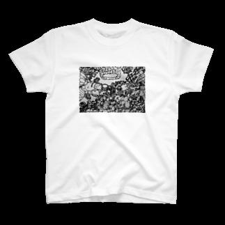 OURIXの蟻と蜂の戦い T-shirts