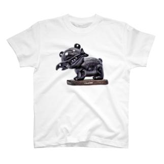 岡本なう - okamoto now -の木彫りの熊風粘土のクマさん T-shirts