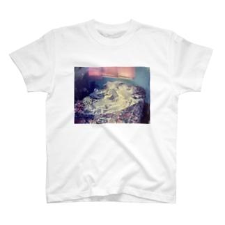 おかんのウェディングドレス T-shirts