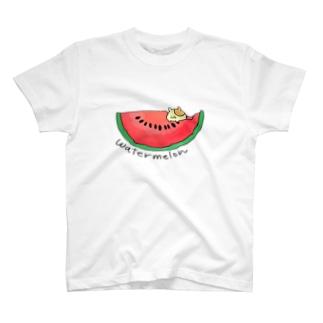 スイカを食べるハムスター T-shirts