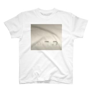 アクリルハウス T-shirts