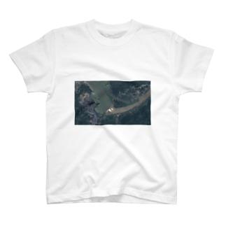 三峡ダム放水の図 T-shirts