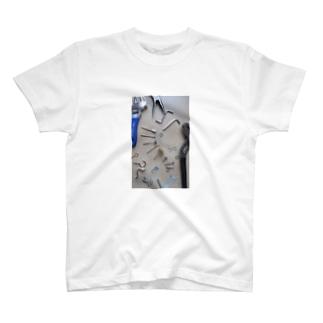 工具 T-shirts