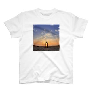 流木アーチsunset T-shirts