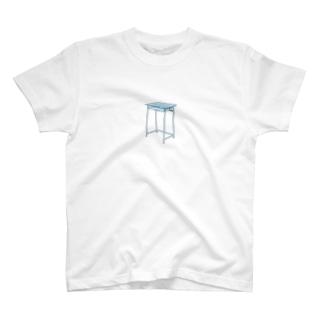 懐かしのつくえ T-shirts