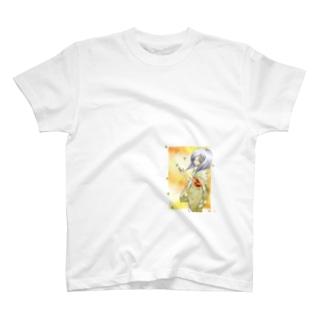 銀杏舞う大和撫子 T-shirts