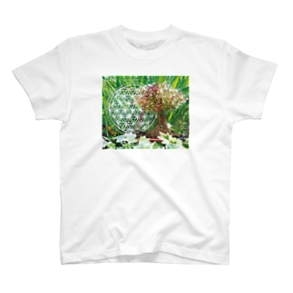 宇宙樹 T-shirts