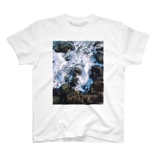 波 1 T-shirts