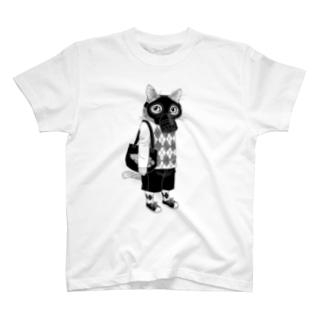 ガスマスクを付けた猫 T-shirts