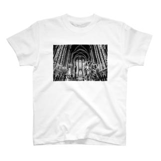 猫と教会 T-shirts