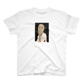 熟れゆく女 T-shirts