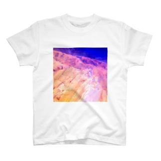 鉱物エメラルドサファイヤウルトラマリン T-shirts